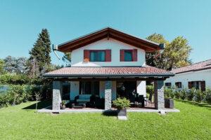 Cat costa o autorizatie de constructie casa la tara