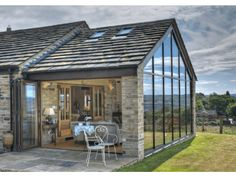Cum sa integrezi sticla in designul interior al locuintei tale
