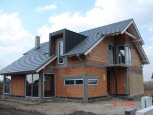 Iata care sunt avantajele si dezavantajele acoperisurilor metalice